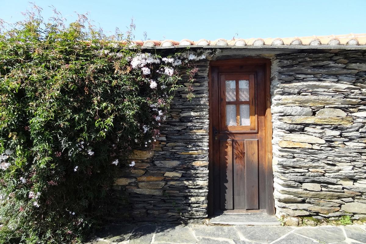 Casa Abrigo Quinta da Valdeira